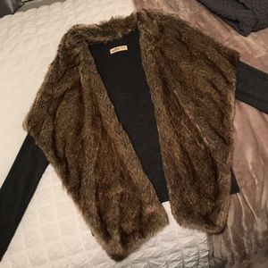 Hollister Cardigan with Faux Fur Front XS/S